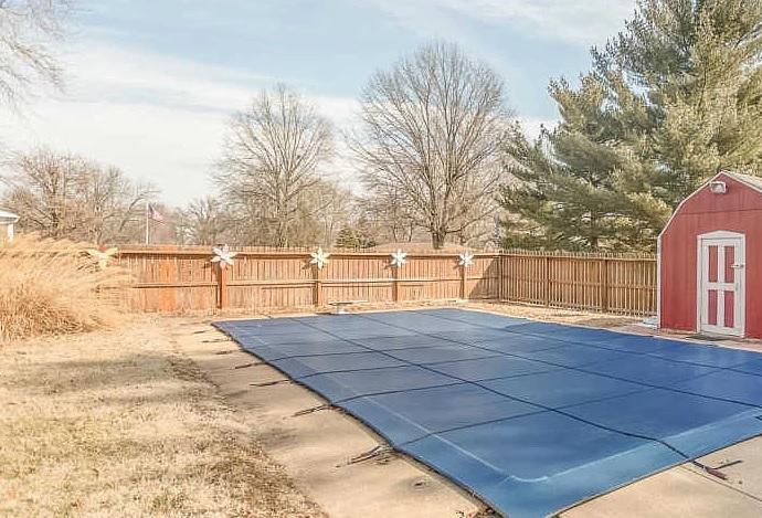 Privacy fence installation Edwardsville, IL