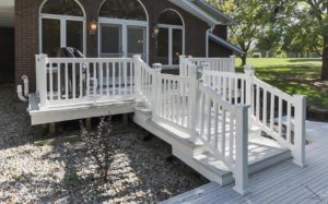 Custom deck builder Edwardsville, IL